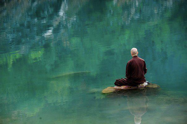 meditazione_in_lago